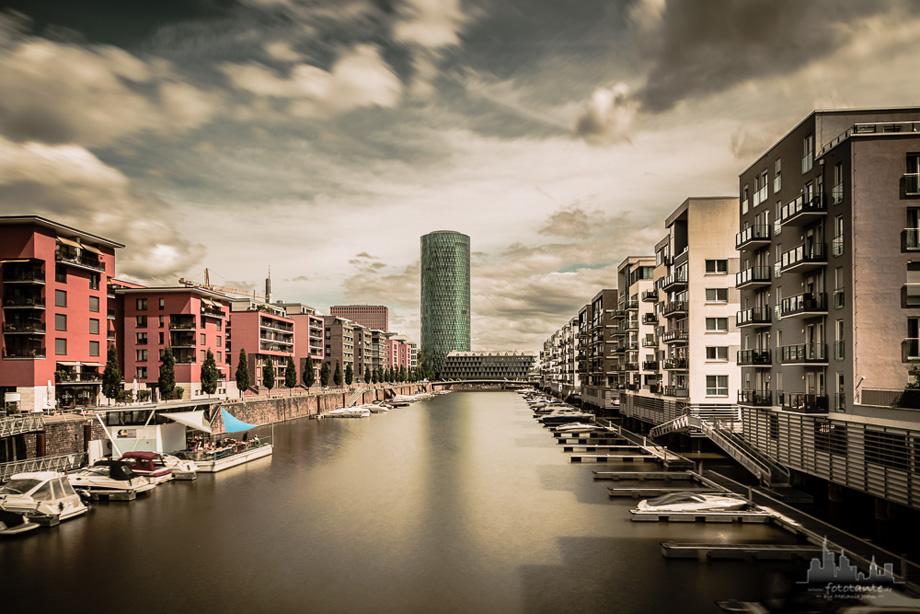Frankfurt-Main-Westhafen-Gerippte