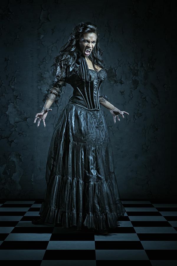 Das Bild Vampire mit Model Poiseneivy